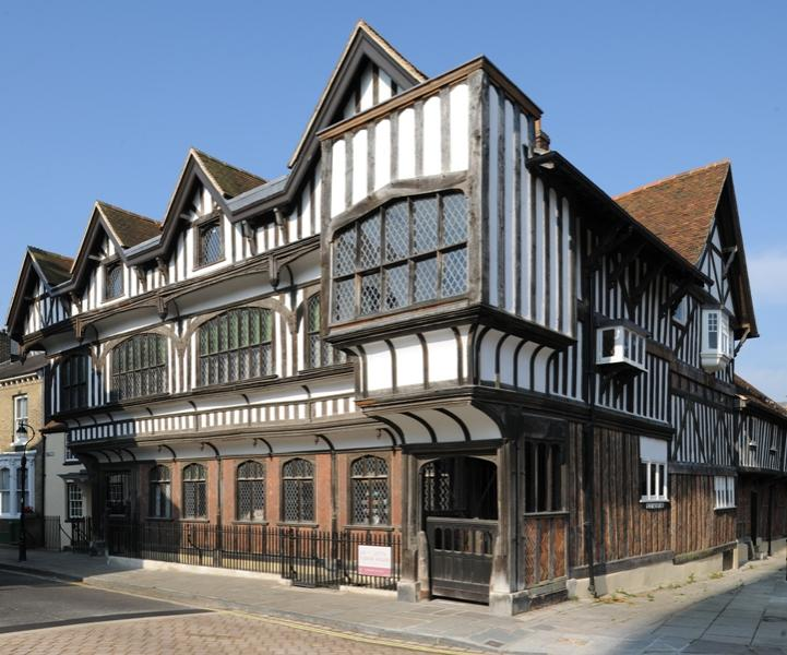 front-view-of-tudor-house.721.600.s.jpg